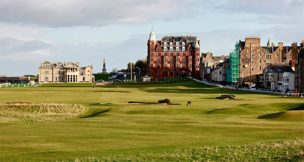 Hamilton Grand behind the 18th green of the Old Course (Image Graylyn Loomis)